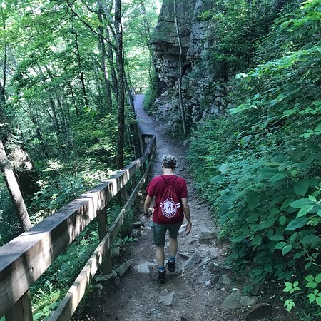Cloudland Canyon State Park : Pictures of trails, visitor center/store and campground