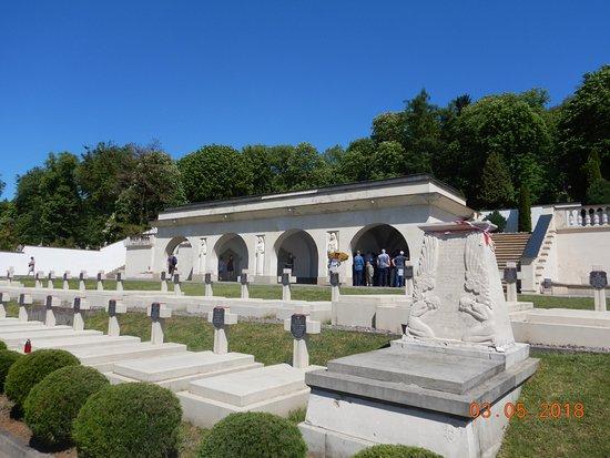 Cemetery of the Defenders of Lwow照片