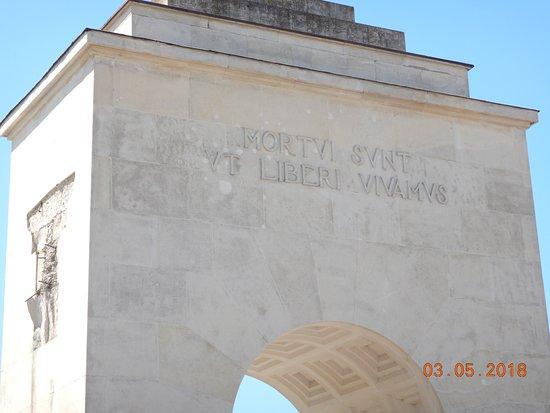 Cemetery of the Defenders of Lwow: Umarli, byśmy mogli żyć jako wolni ludzie