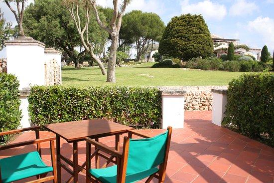 Rural Hotel Morvedra Nou: Terraza habitación doble con vistas al jardín