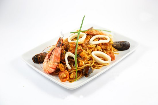 Restaurant Luigi Maarif: SPAGHETTI SINATRA - Calamar, gambas, moules et fruits de mer