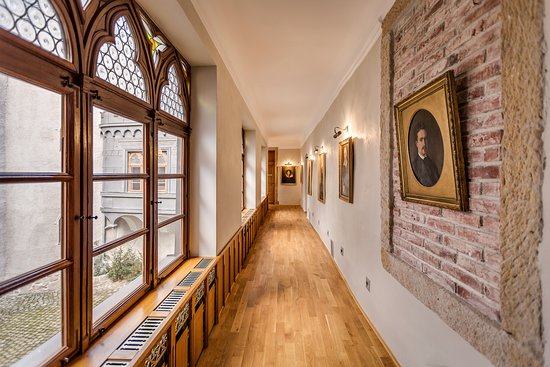 Hotel Zamek Karpniki: Zamkowy korytarz - 1. piętro