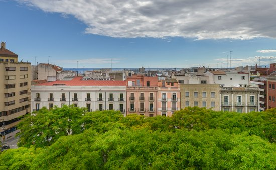 Alexandra Aparthotel: Location · Ubicación · Ubicació