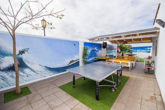 Surf Riders Fuerteventura: Ping pong area