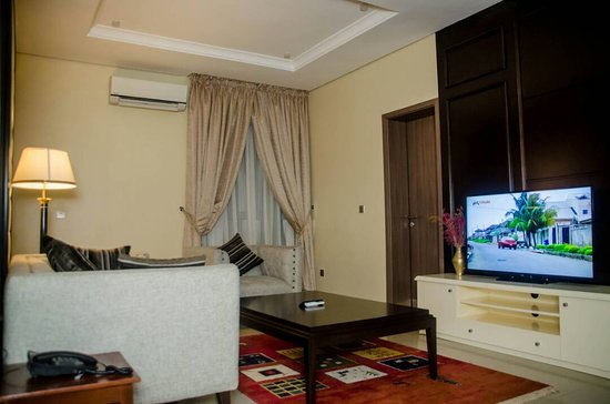 Best Western Plus Ibadan: Living Room-Diplomatic Suit