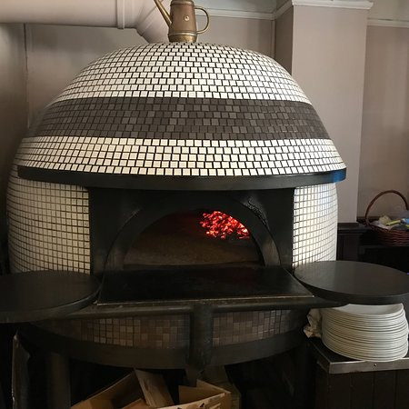 The Neapolitan Kitchen: Restaurant floor area