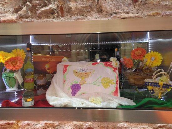 145 Caffe' Shop: Corpus Domini