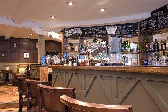 Darwin's Kitchen: Bar