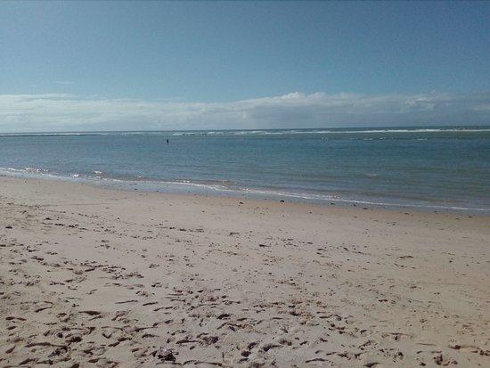 Aracaipe Beach: A praia é assim o tempo todo, vazia, tranquila.