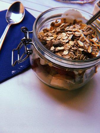 Ofelé.Coffee & Cuddles. : Yogurt con cereali e frutta