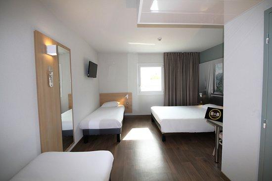 B&B Hotel Valence TGV - Romans: la chambre familiale pour 4 personnes de l'Hôtel B&B Valence TGV Romans