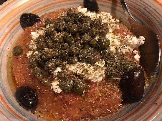Anemoloos: Insalata greca
