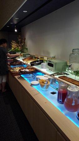 Hotel Suiyotei: 朝食(パンなど)