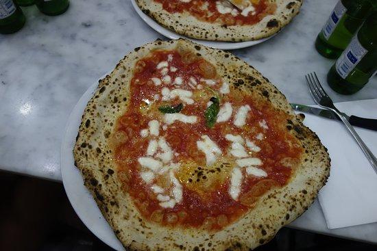 L'Antica Pizzeria da Michele: Pizza Margarita