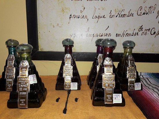 Cenote Hubiku: μερικά ακόμη μπουκάλια γεμάτα από την ξεχωριστή τεκίλα που φτιάχνεται εκει!