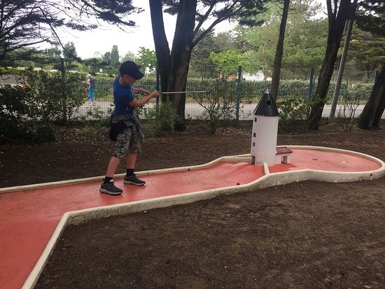 Mini Golf Loisirs Des Marines: think we bent the rules on this one...