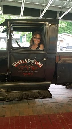 Foto de Wheels Through Time Transportation Museum