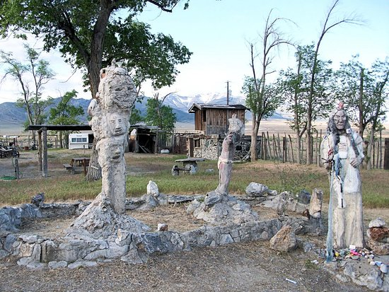 Imlay, NV: Statues