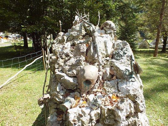 Log Pod Mangartom Military Cemetery: log pod mangartom