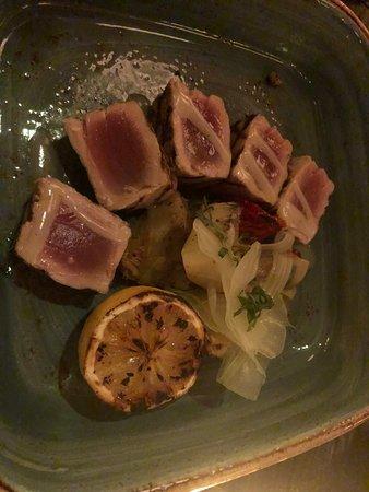 LAVO Italian Restaurant & Rooftop Bar: Grilled tuna