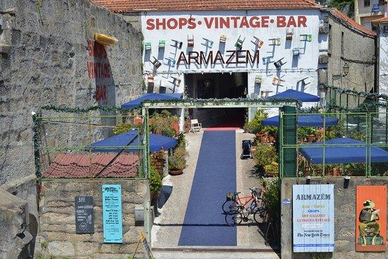 Armazém building entrance