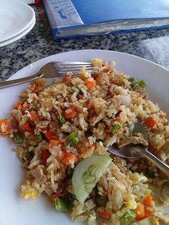 Quan Bo Ke Tuan Thao 180: seafood fried rice