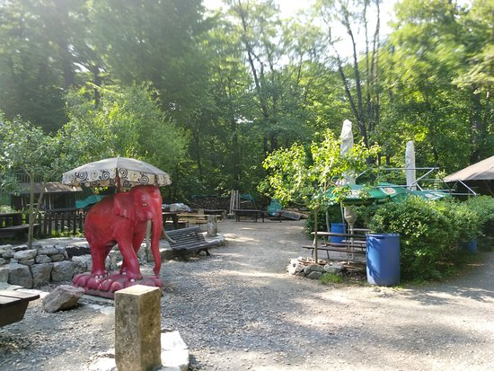 Na Ty Louce Zeleny: И детская площадка есть!!!