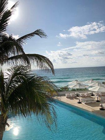 Óleo Cancún Playa All Inclusive Boutique Resort: La mejor vista de playa y piscina
