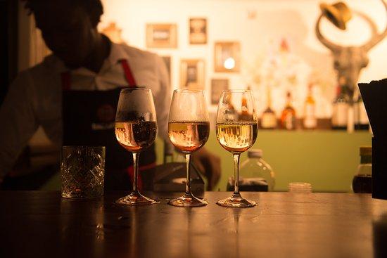 De Heeren: Wij bieden verschillende wijnen aan van top kwaliteit.