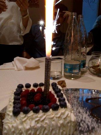 Ristorante Solferino: Torta di compleanno