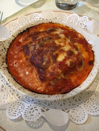Limoncello Restaurant: Parmiggiana Di Melanzane Baked aubergines topped with mozzarella, tomato and basil