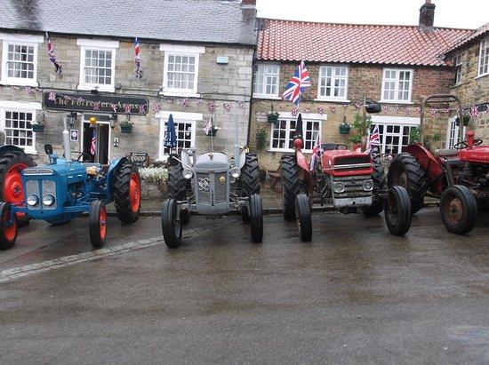 The Foresters Arms Pub Restaurant: Kilburn Tractor run.