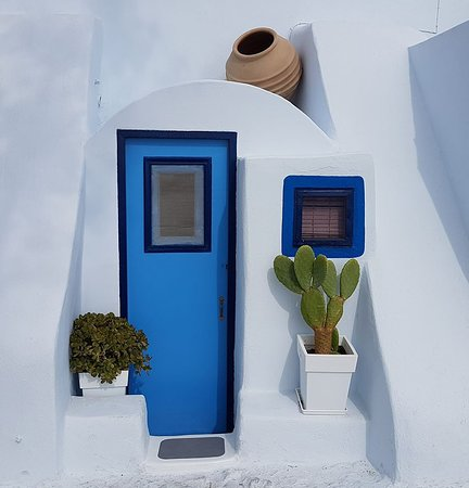 Aktaion: The famous blue door