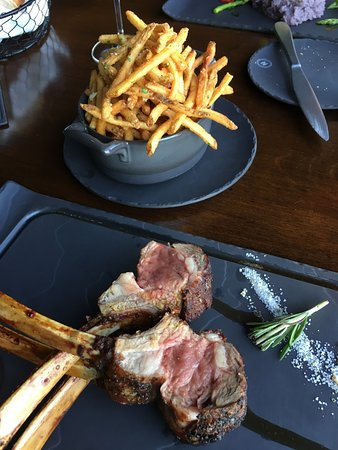 The Narrows Steakhouse : Rack of lamb with truffle-garlic match stick fries