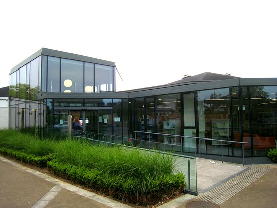 Deansgrange Library: Modern contemporary