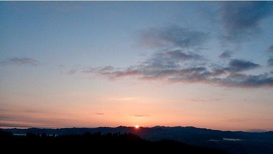 Emmenmatt, Sveits: lever de soleil depuis la chambre