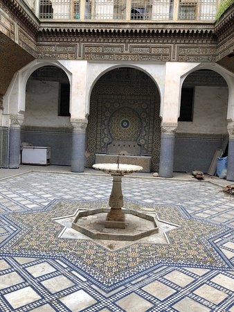 Glaoui Palace: fountain