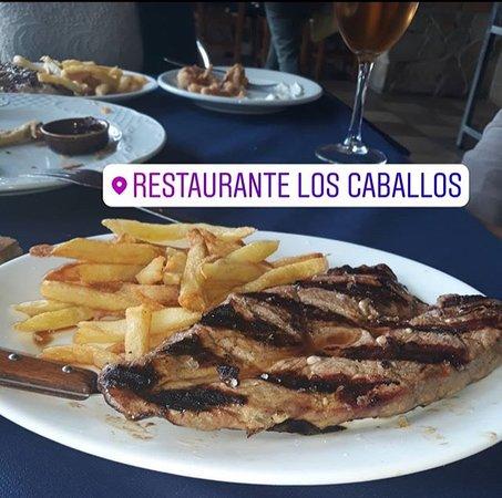 Restaurante Los Caballos : Filete a la parrilla con patatas fritas