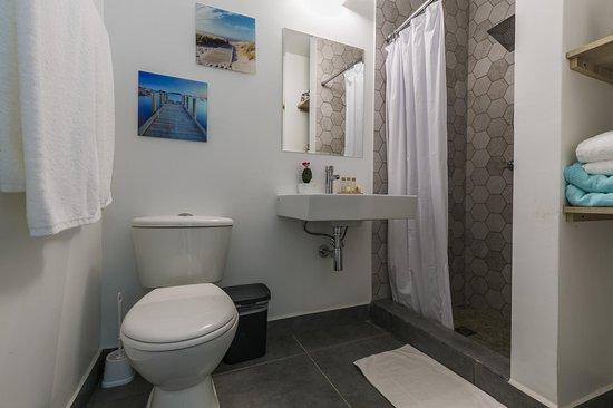 Turibana Plaza: Suite bathroom