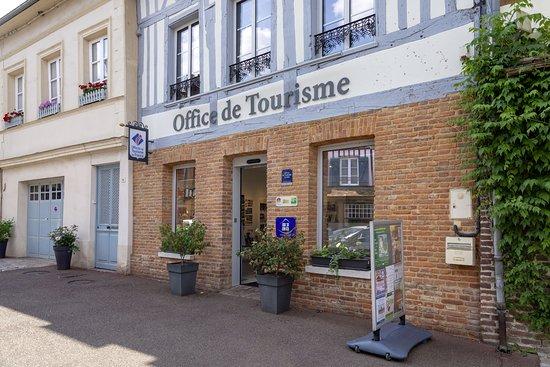 Office de Tourisme Lyons Andelle: Lyons-La-Forêt. Office de Tourisme.