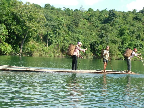 Sails of Indochina: Sailing Club Catba