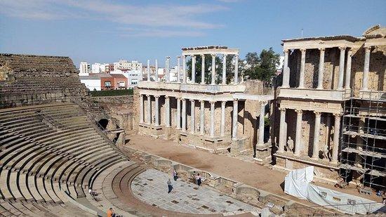 Roman Theater (Teatro Romano): Vista geral do palco!