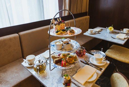 โรงแรมชาฟต์สบิวรี่ พรีเมียร์ ลอนดอน แพดดิงตั้น: Chocolate Afternoon tea 3