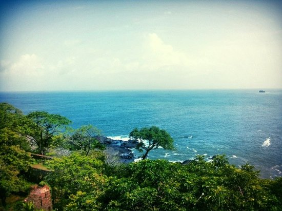 Cabo de Rama Fort: The view below the Fort