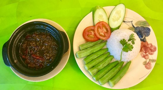 Quan Nha La: Orka with Braised sauce, Deeply southern Vietnam taste, spicy and delicious, add on Rice