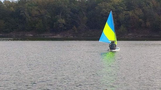 Garfield, AR: Beaver Lake Sailing (10 mins away)