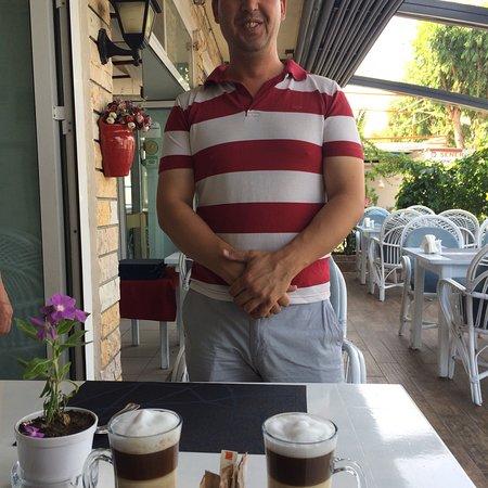 Osman's Place Gordon Restaurant: Mehmet makes the best coffee latte in Bozburun. He is very proud of his coffee making skills.