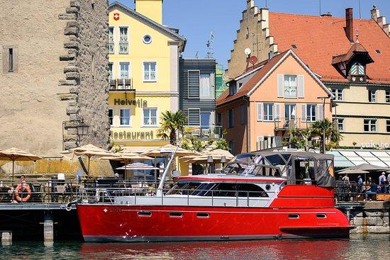 "YachtHotel Helvetia: Unser Luxus Motorboot ""Lady Octopus"""