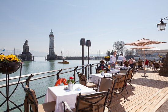 YachtHotel Helvetia: Unsere Harbour Lounge mit traumhaftem Blick