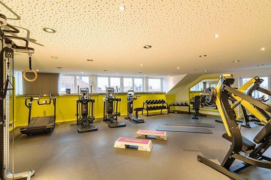 YachtHotel Helvetia: Unsere Technogym Sport Lounge